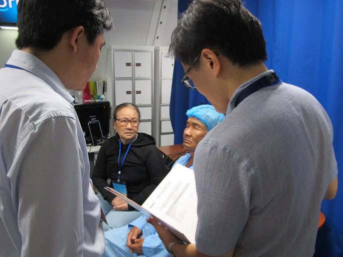 Soi nội thất bệnh viện bay hiện đại số 1 thế giới - Ảnh 31.
