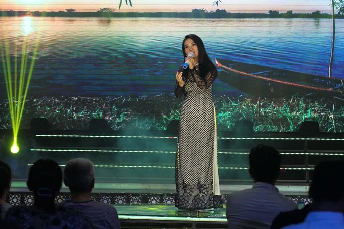 Đàm Vĩnh Hưng, Minh Hằng, Ngô Kiến Huy đốt cháy live show 9 Mai Vàng kết nối - Ảnh 18.