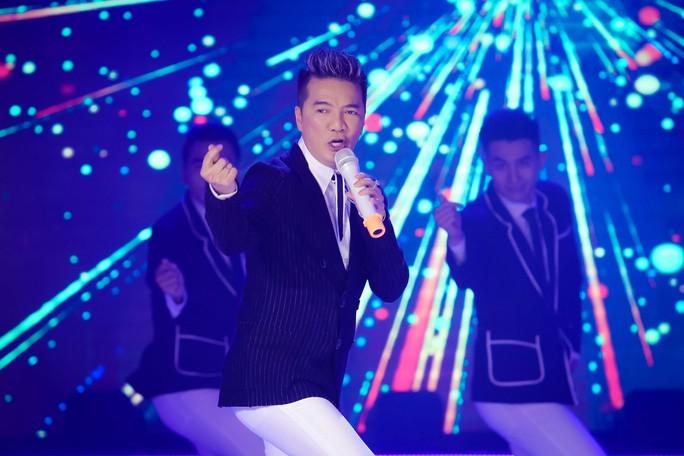 Đàm Vĩnh Hưng, Minh Hằng, Ngô Kiến Huy đốt cháy live show 9 Mai Vàng kết nối - Ảnh 3.