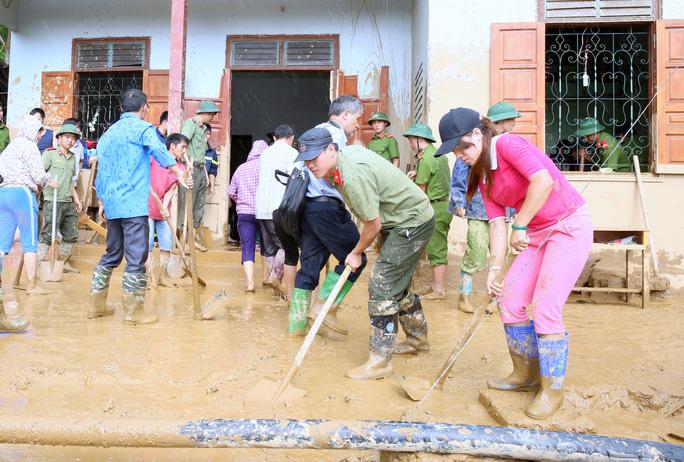 Thủ tướng: Yên Bái, Sơn La tiếp tục di dời dân khỏi vùng nguy hiểm - Ảnh 8.