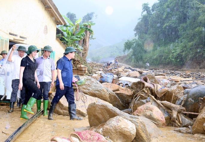 Thủ tướng: Yên Bái, Sơn La tiếp tục di dời dân khỏi vùng nguy hiểm - Ảnh 4.