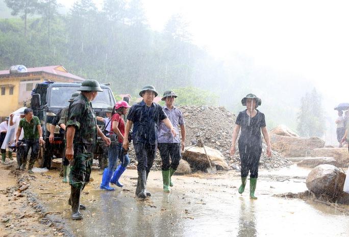Thủ tướng: Yên Bái, Sơn La tiếp tục di dời dân khỏi vùng nguy hiểm - Ảnh 7.