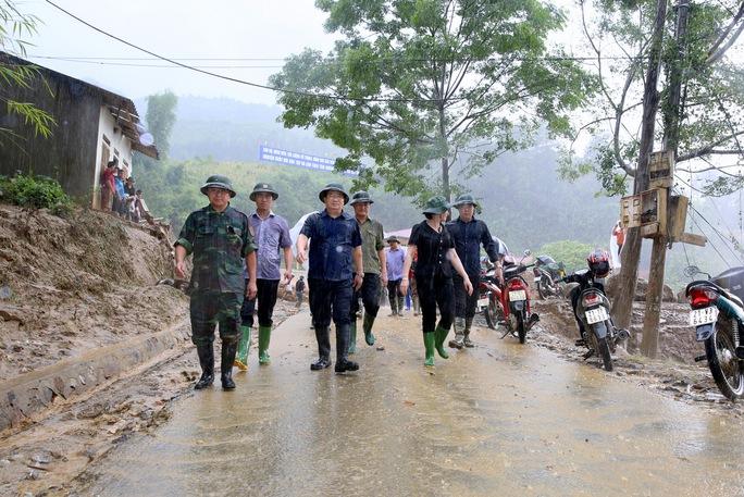 Thủ tướng: Yên Bái, Sơn La tiếp tục di dời dân khỏi vùng nguy hiểm - Ảnh 2.