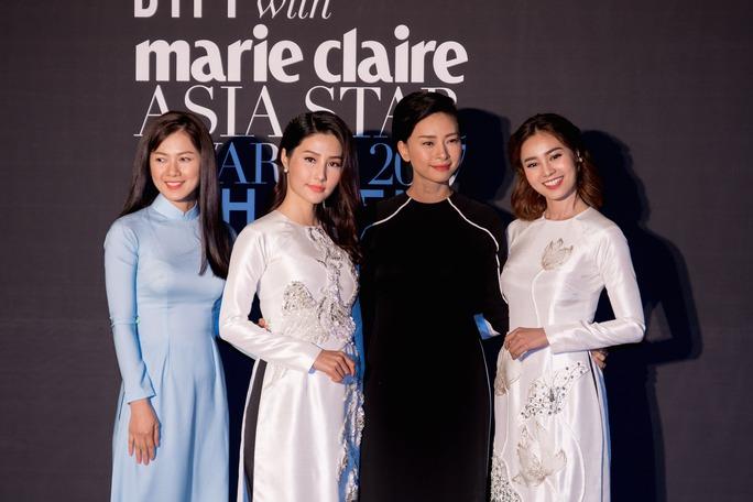 Ninh Dương Lan Ngọc nhận giải thưởng tại Hàn Quốc - Ảnh 1.