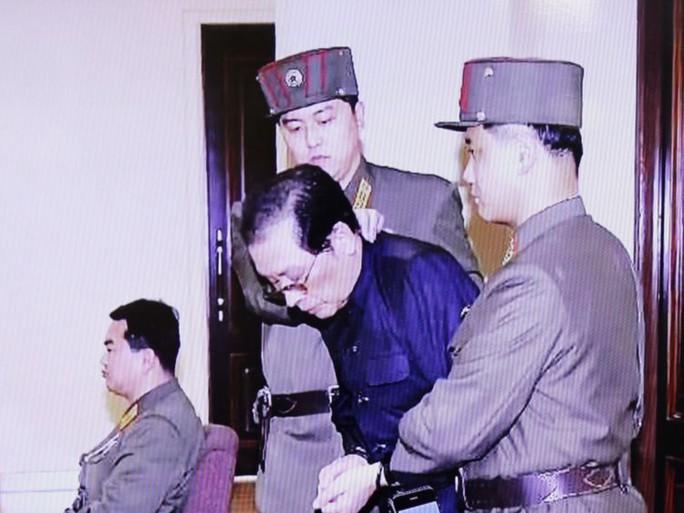 Người thân ông Kim Jong-un bị xử tử vì âm mưu đảo chính liên quan Trung Quốc? - Ảnh 2.
