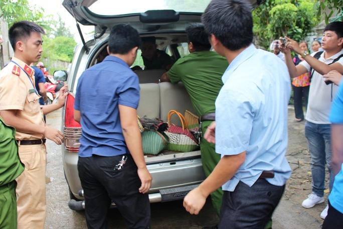 Cảnh sát đột kích trường gà khủng, bắt hơn 40 đối tượng - Ảnh 3.