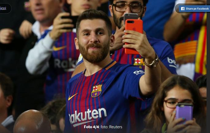 Bản sao Messi đến Nou Camp cổ vũ thần tượng - Ảnh 1.