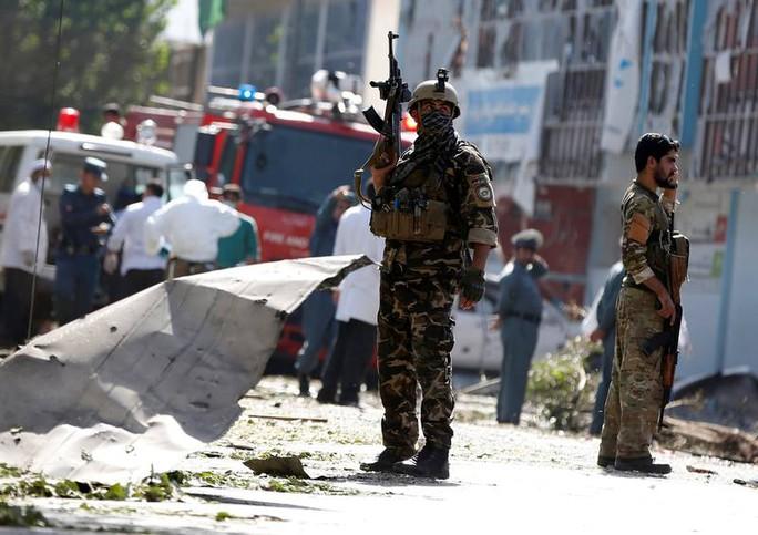 Afghanistan: Nổ một xe bom, thương vong hơn 75 người - Ảnh 1.