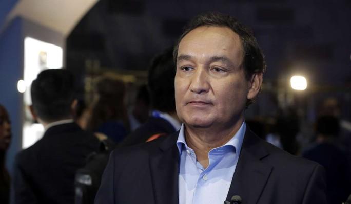 Ông Oscar Munoz, giám đốc điều hành United Airlines. Ảnh: AP