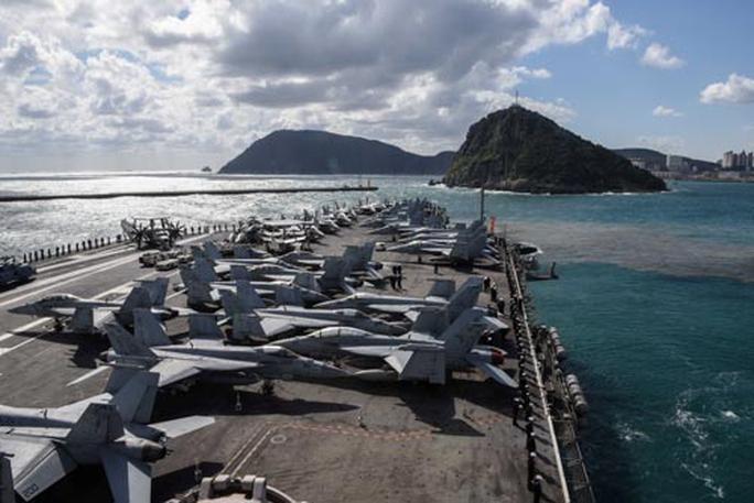 Vũ khí hoàn hảo của Triều Tiên: Đe dọa tàu chiến Mỹ - Ảnh 1.