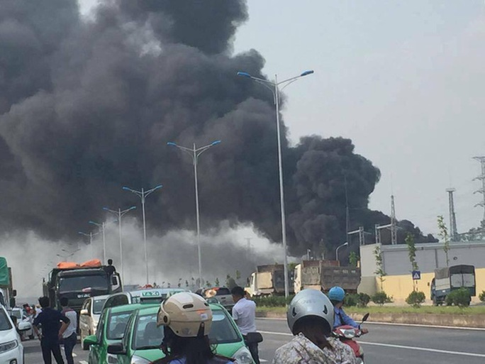 Cháy lớn trạm biến áp 110 KV gần công ty Samsung Thái Nguyên - Ảnh 1.