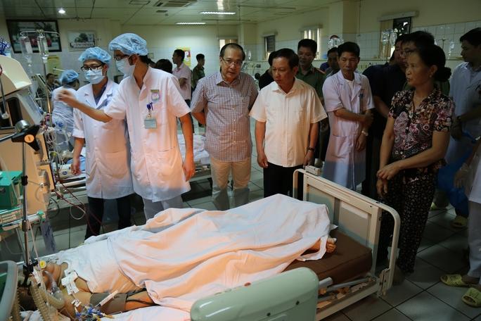 Bộ Công an vào cuộc điều tra vụ 6 bệnh nhân chạy thận tử vong - Ảnh 2.