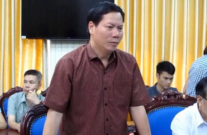 Tai biến chạy thận 8 người chết: Đình chỉ giám đốc bệnh viện Hoà Bình - Ảnh 1.