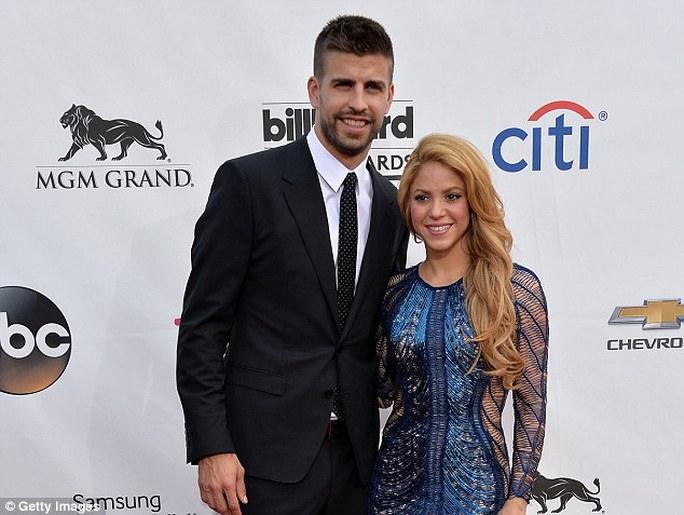 Ca sĩ Shakira chia tay, Pique khủng hoảng trầm trọng - Ảnh 2.