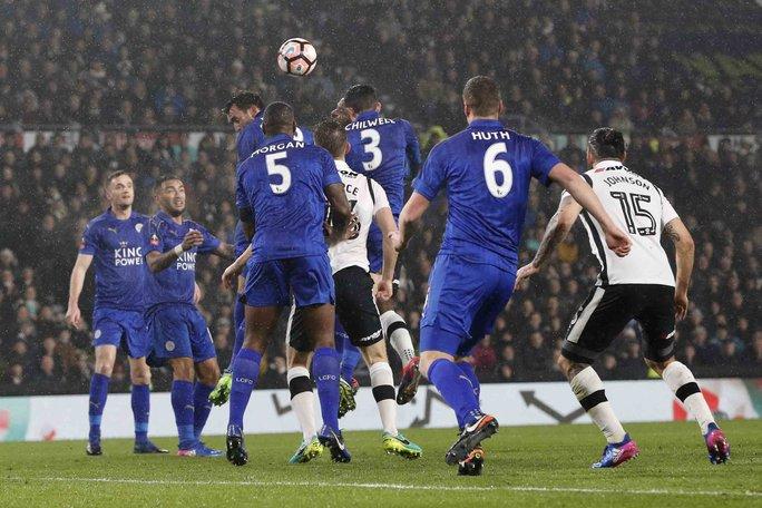 """Leicester hy vọng khắc phục được tình trạng """"thủ lủng, công cùn"""" khi trở lại Champions LeagueẢnh: REUTERS"""