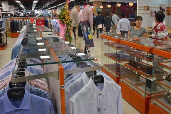 Thời trang Việt đấu hàng hiệu giá rẻ - Ảnh 1.