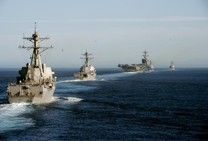 Một số tàu chiến Mỹ trong một cuộc huấn luyện hồi tháng 11-2016. Ảnh: Hải quân Mỹ