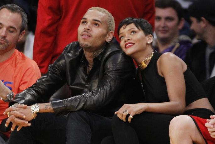 Ca sĩ Chris Brown bị cấm đến gần người mẫu gốc Việt 5 năm - Ảnh 2.