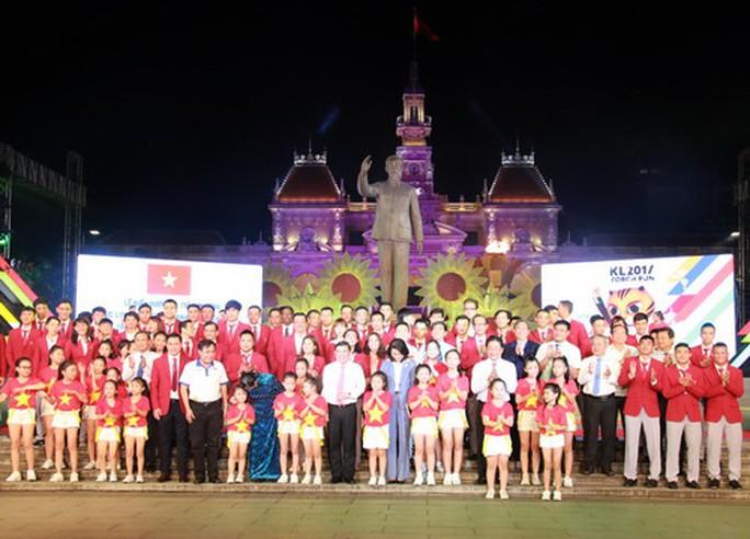 TP HCM khen thưởng hơn 2,2 tỉ cho HLV-VĐV SEA Games 2017 - Ảnh 15.