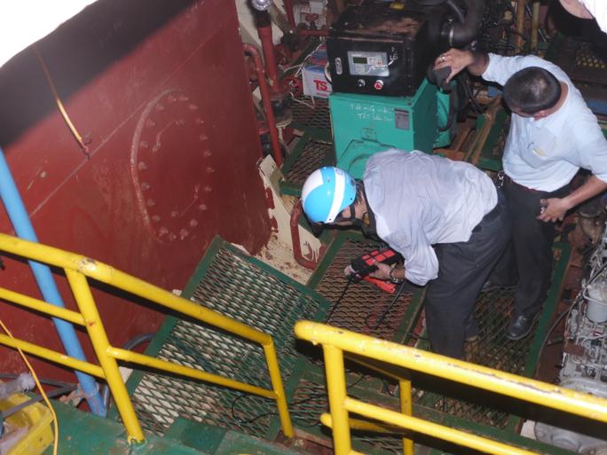 Vụ tàu vỏ thép: Khởi kiện, điều tra cơ sở đóng tàu trốn tránh trách nhiệm - Ảnh 1.