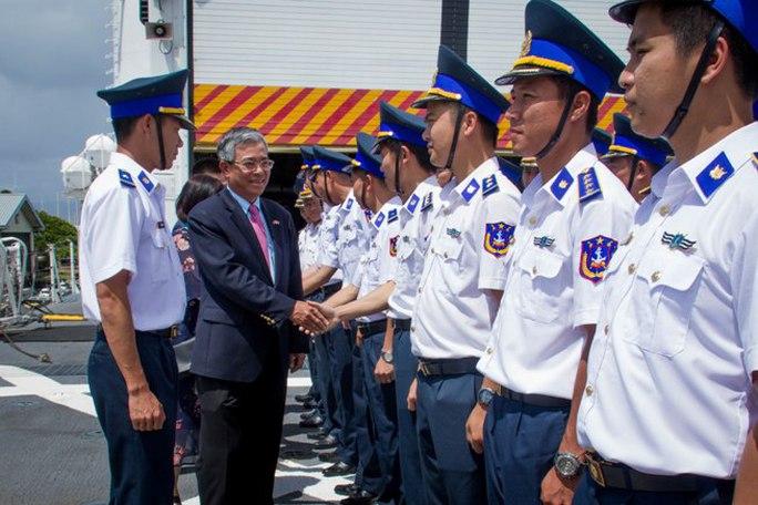 Mỹ bàn giao tàu Cảnh sát biển cỡ lớn cho Việt Nam - Ảnh 2.
