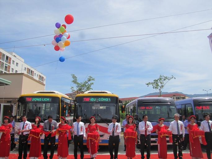 Đà Nẵng:  Khai trương tuyến buýt TMF miễn phí vé  một năm - Ảnh 3.