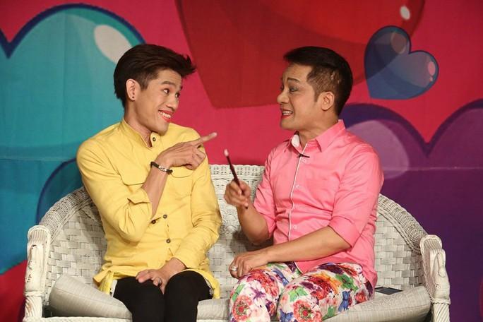 Diễn viên Tiến Thành diễn cùng nghệ sĩ Minh Nhí