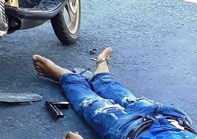 Nổ súng, một người đàn ông chết gục trên đường - Ảnh 3.