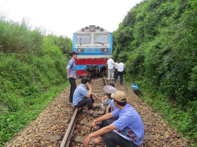 Quảng Trị: Hơn 300 nhà dân vẫn còn ngập sâu trong nước - Ảnh 5.