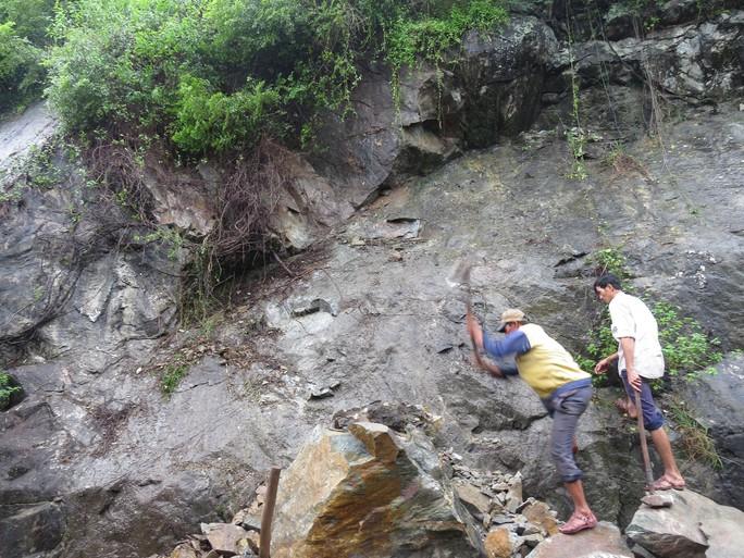Quảng Trị: Hơn 300 nhà dân vẫn còn ngập sâu trong nước - Ảnh 7.