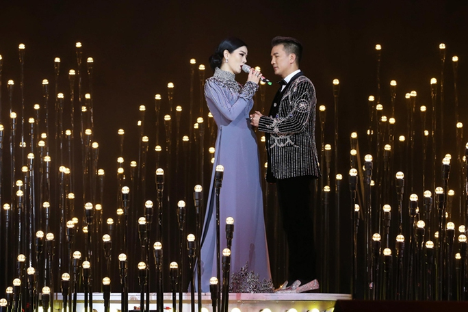 Đàm Vĩnh Hưng khiến khán giả Hà Nội đã mắt với Sài Gòn Bolero - Ảnh 3.