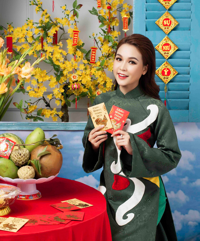Ảnh: Hoa mai vàng khoe sắc trên núi thiêng Yên Tử