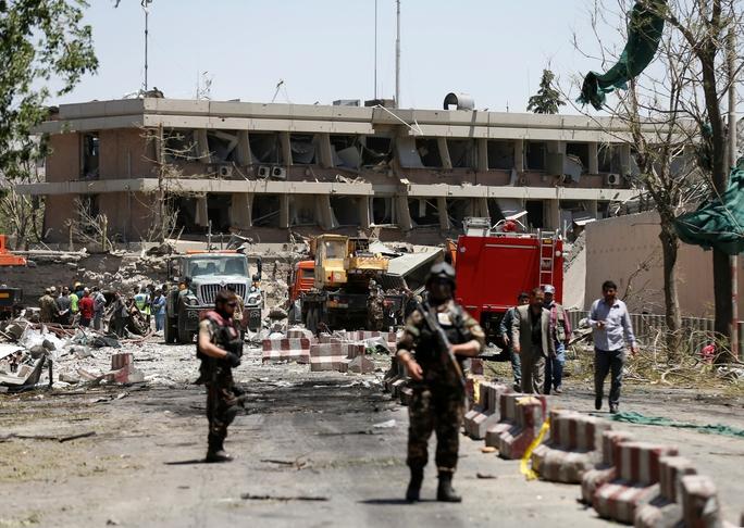Đánh bom đẫm máu ở Afghanistan, Iraq - Ảnh 1.