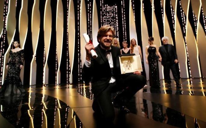 Phim hài của Thụy Điển thắng Cành cọ vàng - Ảnh 1.