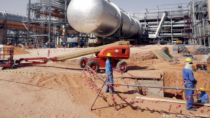 Giá dầu sẽ tăng lên 100 USD/thùng? - Ảnh 1.