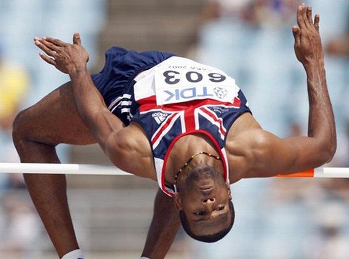 Mason trong đội nhảy cao Anh ở Olympic 2008