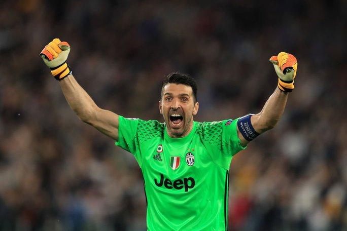 Buffon khát cúp Champions League trước khi treo găng - Ảnh 2.