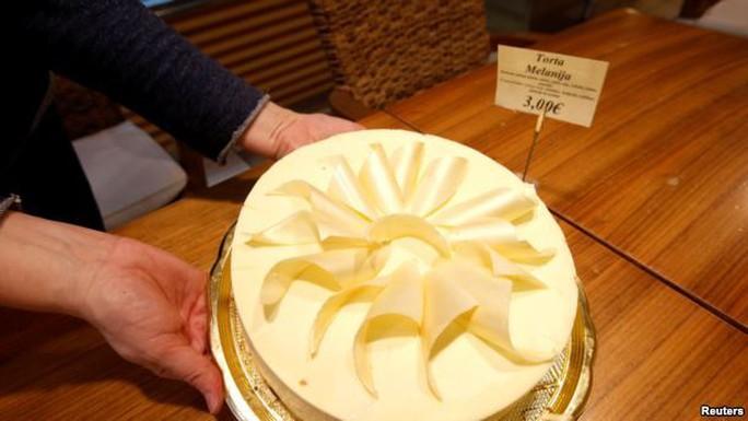 Một món bánh được đặt tên là Melanija, tức tên khai sinh của bà Melania. Ảnh: Reuters
