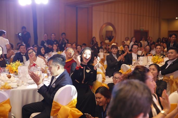 Ngô Thanh Vân quyên góp được 7.9 tỉ đồng cho Vết sẹo cuộc đời 7 - Ảnh 2.