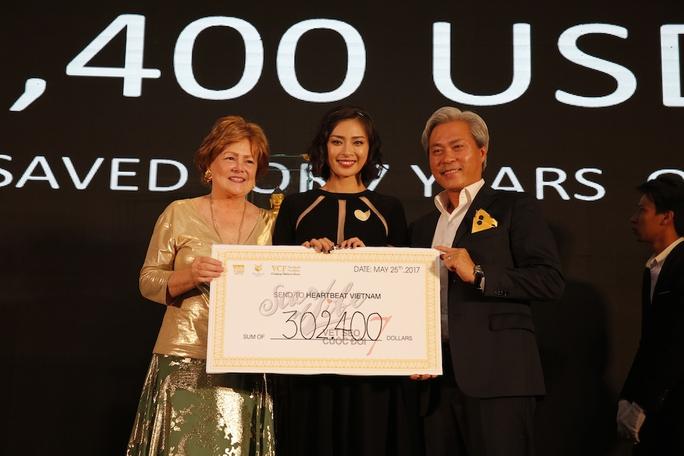 Ngô Thanh Vân quyên góp được 7.9 tỉ đồng cho Vết sẹo cuộc đời 7 - Ảnh 1.