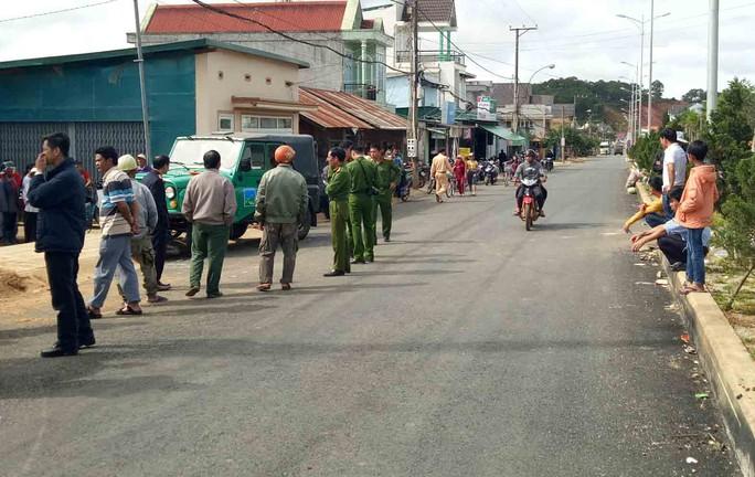 Lâm Đồng: Xe phục vụ du lịch tông cán bộ thuế tử vong - Ảnh 2.