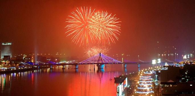TP sông Hàn lung linh với những màn trình diễn pháo hoa những năm trước