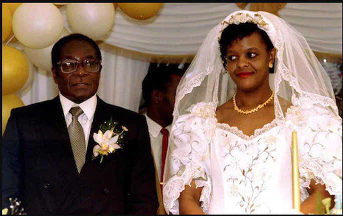 Hai người vợ tạo nên cuộc đời tổng thống Zimbabwe - Ảnh 3.
