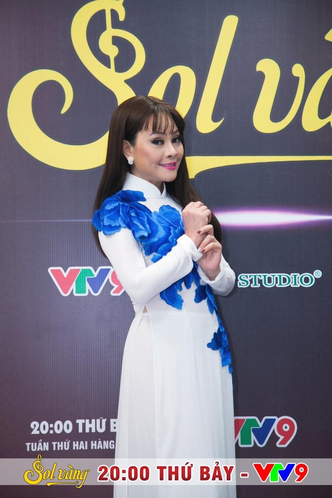 Uyên Trang rạng rỡ, hát đôi cùng Hồ Việt Trung - Ảnh 3.