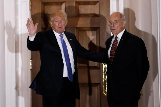 Tổng thống Donald Trump và Bộ trưởng An ninh Nội địa John Kelly. Ảnh: REUTERS