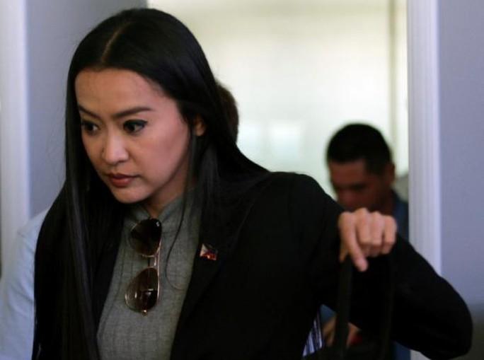 Ông Duterte chọn nữ vũ công làm trợ lý thư ký truyền thông - Ảnh 1.