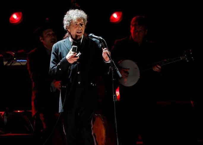 Bob Dylan bị tố vay mượn nhiều trong bài phát biểu gửi giải Nobel - Ảnh 1.