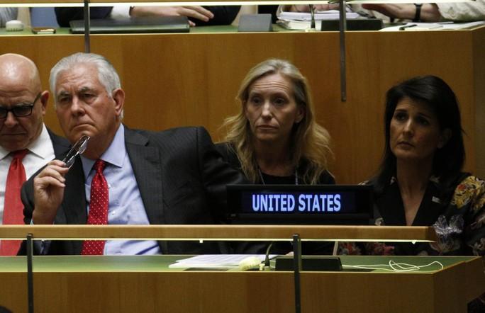 Mỹ dọa từ bỏ thỏa thuận hạt nhân hoàng hôn với Iran - Ảnh 1.