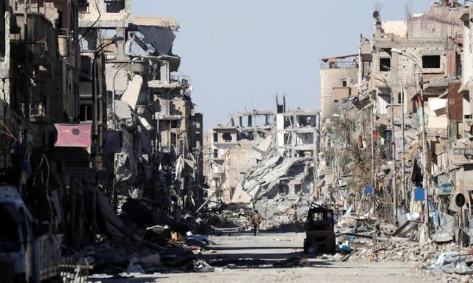 """Nga tố liên quân Mỹ """"rải thảm bom"""" ở Raqqa - Ảnh 2."""