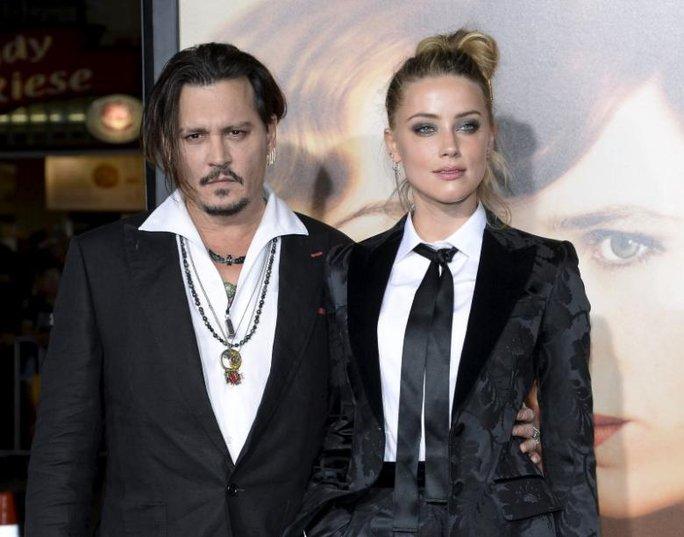 Johnny Depp và Amber Heard đã hoàn tất thủ tục ly hôn